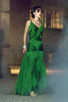 Keira Knightley's amazing green dress in Atonement.
