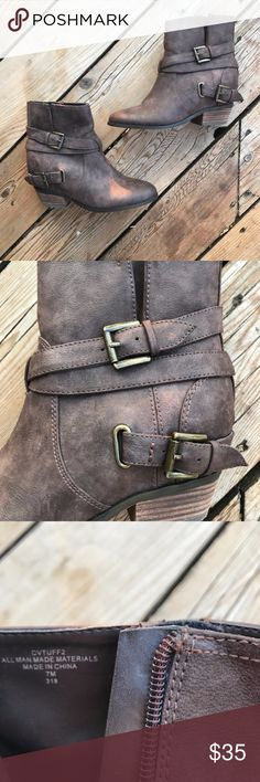 """Crown Vintage Ankle Boots w/Buckles--Brown--Size 7 Crown Vintage ankle boots, size 7. Two buckles on either outside ankle. Boots are in excellent condition and show no signs of wear aside from on the sole. Heel is 1 1/2"""". Man-made materials. Crown Vintage Shoes Ankle Boots & Booties"""
