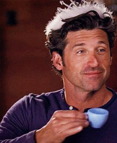 just saw this episode. mcdreamy in a tiara is just perfect, ovaries bursting now