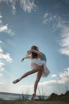 dancing senior picture