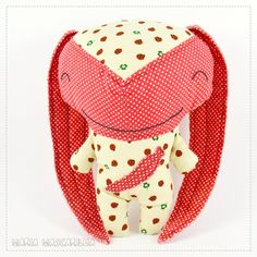 Smiley  Botão  stuffed toy for children red and by MariaMascarilha