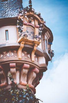 ...e nesta torre mora um que ainda pulsa e chama por você. Dani Cabo