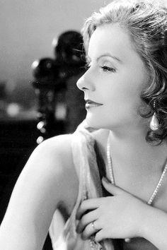 Peaceful prey, Greta Garbo