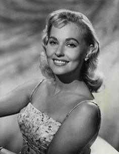 lola albright measurements