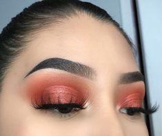 Copper metallic eyeshadow look