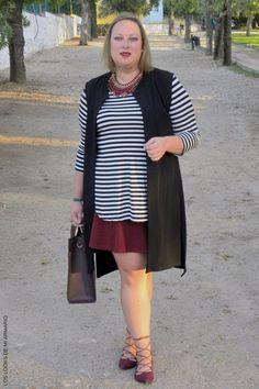 Trendy Curvy LOOK. LOOK RAYAS & BURGUNDY #camisetarayas #primark #lookconfalda #faldatallagrande @violetabymango #violetabymango #negroyburgundy #maxichaleco @asos #lookcasual #tallagrande #casual #outfittallagrande #curvy #plussizecurve #fashionbloggermadrid #bloggercurvy #personalshopper #curvygirl #loslooksdemiarmario #bloggermadrid #outfit #plussizeblogger #fashionblogger #lookotoño #ootd #influencer #trend #trendy #bloggerXL