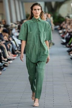 2020 Fashion Trends, Fashion Week, Fashion 2020, New Fashion, Runway Fashion, Spring Fashion, Fashion Show, Fashion Tips, Fashion Brands