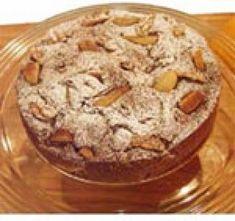 Verwarm de oven voor op 180ºC. Hak de koekjes in stukken, doe ze in een kom en schenk de likeur erover. Mix in een kom de boter met de suiker. Voeg al.. [lees meer]