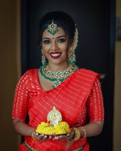 Bridal Makeup Looks, Indian Bridal Makeup, Indian Wedding Jewelry, Bridal Looks, Wedding Looks, Wedding Day, Bengali Bride, Blush Beauty, Beige Wedding