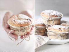 muffins with white chocolate / Vaaleanpunainen hirsitalo