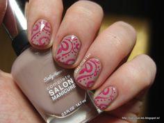 Abstract stamp nail design