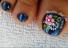 Pretty Toe Nails, Pretty Toes, Pedicure Nail Art, Toe Nail Art, Gemstone Rings, Curly, Gemstones, Finger Nails, Vestidos