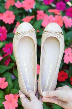Nada como se sentir linda e confortável para curtir um encontro romântico! #diadosnamorados #namoradosJB #shoes #JorgeBischoff