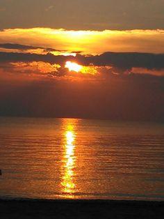 Vale davvero la pena alzarsi all'alba e godersi questa meraviglia...... Milano Marittima, Bagno Marilena
