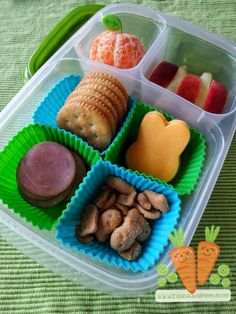 Easy DIY Easter Lunchables  | packed in @EasyLunchboxes containers