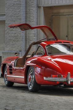 Gorgeous #Classic #Mercedes with #Gullwing doors in red