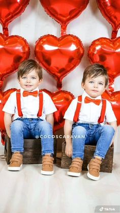 Twin Baby Photos, Little Girl Photos, Baby Pictures, Twin Toddler Photography, Children Photography, Toddler Photoshoot Girl, Cute Baby Couple, Cute Kids Photos, Twin Toddlers