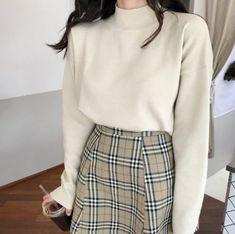 Korean Street Fashion - Life Is Fun Silo Korean Fashion Trends, Korean Street Fashion, Asian Fashion, Look Fashion, 90s Fashion, Girl Fashion, Autumn Fashion, Fashion Outfits, Fashion Terms