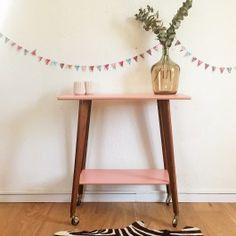Table guéridon vintage en bois des années 60, relooké, pièce unique