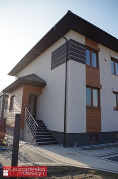 Wooden Facade, Balcony Railing Design, New Home Designs, Cottage Homes, Sweet Home, New Homes, Home And Garden, Exterior, House Design