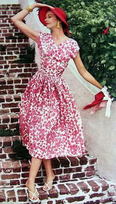 1950s fashion : floral print dress : 1954
