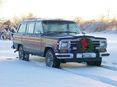 1991 Jeep Grand Wagoneer at Christmas