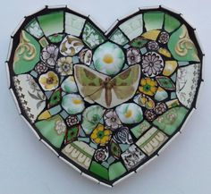 Posts about Harborough Artists Cluster written by Kelly Gardner Artist Mosaic Rocks, Mosaic Tile Art, Mosaic Birds, Tiles, Mosaic Art Projects, Mosaic Crafts, Plastic Beads Melted, China Crafts, Mosaic Madness