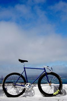 long distances road bike. I've never wanted a fixie until now...
