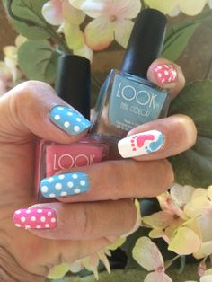 Celebrating all the new moms to be with this LOOK for Mother's day Feiern Sie alle neuen Mammen, um mit diesem LOOK for Mother Tag zu sein Baby Nail Art, Baby Nails, Aycrlic Nails, Girls Nails, Cute Nails, Hair And Nails, Toenails, Baby Shower Nails Boy, Gender Reveal Nails