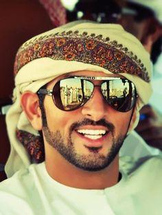 nice style of beard Turbans, Nikola Tesla, Cs Lewis, Middle Eastern Men, Arab Swag, Handsome Arab Men, Dubai, Arabian Beauty, Muslim Men