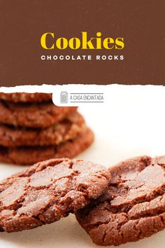 Cookie de chocolate rocks. Delicioso e super chocolatudo! Confira a receita completa. #acasaencnatada #cokkies #chocolate Chocolate Rocks, Chocolate Cookies, Chocolates, Desserts, Food, Homemade Desserts, Awesome Desserts, Light Appetizers, Orange Cookies