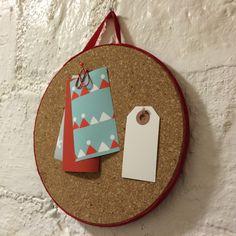 Ilmoitustaulu pannunalusesta. lasten | askartelu | joulu | käsityöt | koti | DIY ideas | kid crafts | christmas | home | Pikku Kakkonen