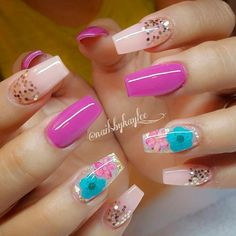 Cute acrylic nails look extremely elegant and sophisticated. Acrylic covers even broken nails. They also make weak nails strong. Best Acrylic Nails, Cute Acrylic Nails, Acrylic Nail Designs, Cute Nails, Pretty Nails, Nail Art Designs, Fabulous Nails, Gorgeous Nails, Pink Nails