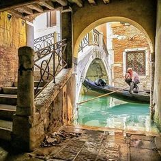 Secret corner in Venice, Italy www.sognoitaliano.nl