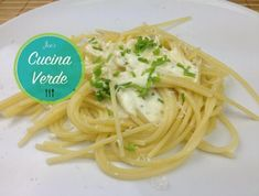 Knoblauch-Käse Sauce - Rezept von Joes Cucina Verde Spaghetti, Ethnic Recipes, Dips, Food, Garlic, Food Portions, Food Food, Cooking, Sauces