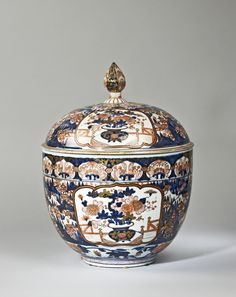 A&J Speelman Oriental Art | Japanese & Korean | Porcelain | A large…