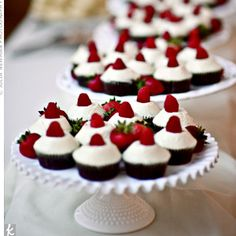 Little frosted cupcakes