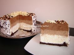 Tort cu 3 feluri de mousse de ciocolata Romanian Food, Romanian Recipes, Recipe Boards, Keep It Cleaner, Vanilla Cake, Tiramisu, Mousse, Sweets, Ethnic Recipes