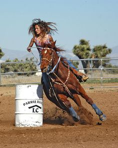 Barrel racing is a great sport to shoot. Cowgirl And Horse, Horse Love, Horse Riding, Cowgirl Pictures, Horse Pictures, Barrel Racing Horses, Barrel Horse, Pretty Horses, Beautiful Horses