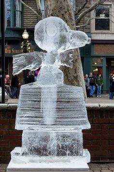 dog ice sculpture   Snoopy Ice Sculpture   My Snoop Dog
