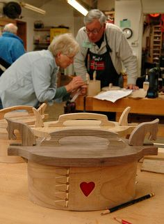 Students work to complete their projects in Norwegian Bentwood Boxes with Chris Schleier | John C. Campbell Folk School - folkschool.org