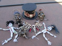 the shrunken heads, voodoo poppets, the hat, the necklace and the grass skirt fashioned into the arms and leg pieces that hid the servos. Voodoo Party, Voodoo Costume, Voodoo Halloween, Scary Halloween Costumes, Halloween 2017, Holidays Halloween, Halloween Kids, Halloween Themes, Halloween Decorations