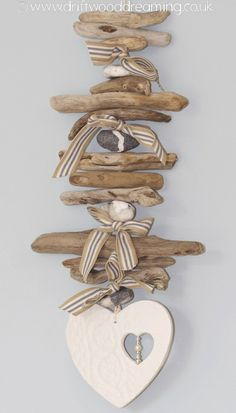 Basteln Dekoration ✄ Treibholz Love this cute little driftwood hanger with heart-cutout-in-heart dangle ~ adorable! Driftwood Beach, Driftwood Art, Driftwood Mobile, Beach Crafts, Diy Crafts, Recycled Crafts, Driftwood Projects, Driftwood Ideas, Antique Metal