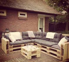 Loungebank pallets 240x200cm met kussen (De Meubelen van pallets)