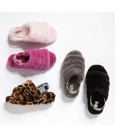 Mens Smart Casual Outfits, Ugg Sandals, Strap Sandals, Fluffy Shoes, Cute Slides, Shoes Wallpaper, Graduation Diy, Tricot, Slipper