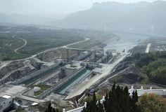 brumeuse vue a rienne du barrage des Trois Gorges du fleuve Yangts la Chine Banque d'images