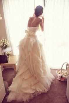 Vera Wang Wedding Dresses that Inspire - MODwedding