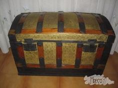 baúl restaurado Antique Chest, Trunks And Chests, Alter, Decoupage, Decorative Boxes, Basket, Woodworking, Diy, Cool Stuff