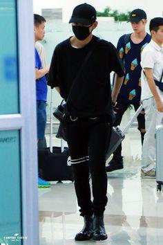 [AIRPORT] 160901: BTS V (Kim Taehyung) #bts #bangtan #bangtanboys #fashion…