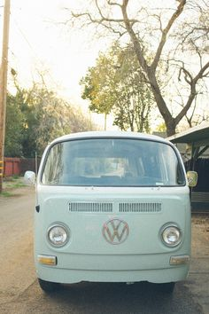 vw bus traveling photo-booth